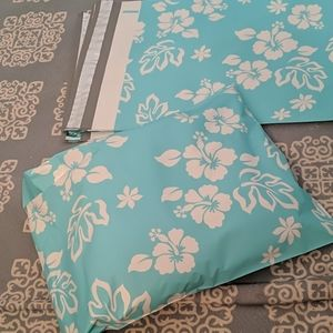 Other - ⭐3/$20⭐ 🌺10x13 Blue Hawaiian Floral Poly Mailer